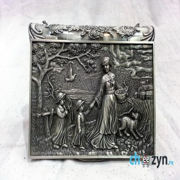 Antique Metal Crafted Jewellery Box With Mother Pattern